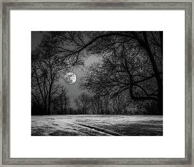 Super Blue Moon Rising Bw Framed Print