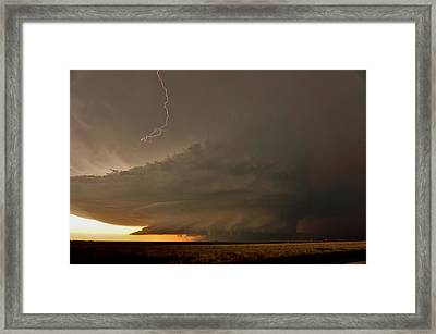 Supercell In Kansas Framed Print by Ed Sweeney