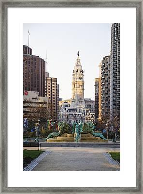 Swann Fountain And City Hall - Philadelphia Framed Print