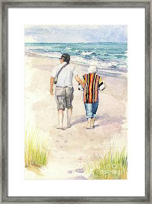 Sweethearts At The Beach Framed Print