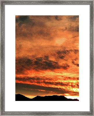 Framed Print featuring the photograph Taho Sunset_2 by Karni Dorell