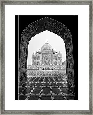 Framed Print featuring the photograph Taj Mahal - Bw by Stefan Nielsen