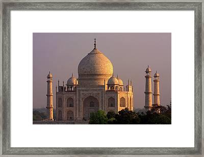 Taj Mahal Sunset Framed Print by Aidan Moran