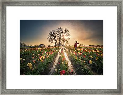 Framed Print featuring the photograph Taking Sunset Pictures Using A Mobile Phone by William Lee