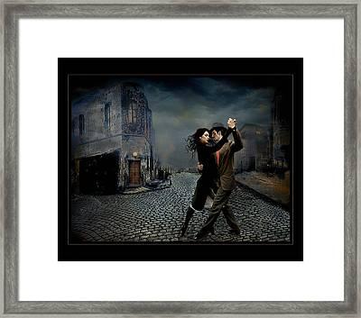 Tango Portuario Framed Print