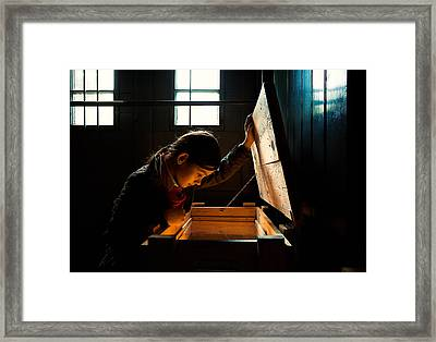 Tell Me About Yourself!!! Framed Print by Nicolino Sapio