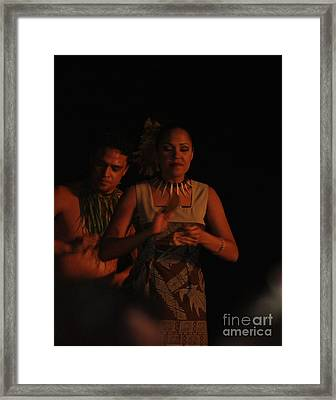 Framed Print featuring the photograph Telling The Story by Terri Thompson