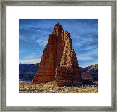 95000 Temple Of The Moon Color Framed Print