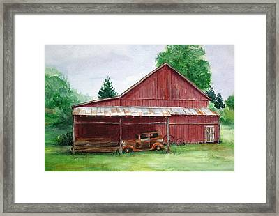 Tennessee Barn Framed Print by Suzanne Krueger