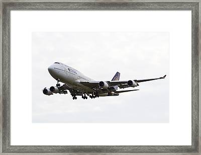 Thai Airways Boeing 747 Framed Print by David Pyatt
