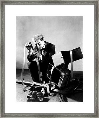 The Cameraman, Buster Keaton, 1928 Framed Print by Everett