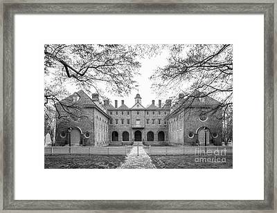 The College Of William And Mary Wren Building Courtyard Framed Print by University Icons