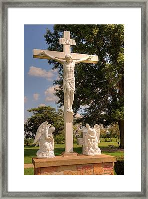 The Crucifixion Framed Print by Paul Lindner