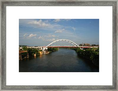 The Cumberland River In Nashville Framed Print by Susanne Van Hulst