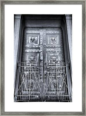 The Door At The Parthenon In Nashville Tennessee Black And White Framed Print by Lisa Wooten