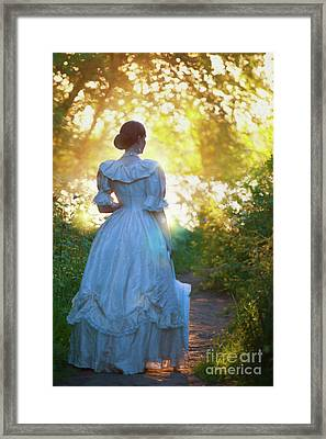 Framed Print featuring the photograph The Evening Walk by Lee Avison