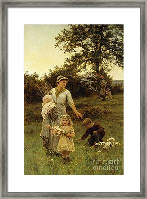 The Garland Framed Print by Frederick Morgan