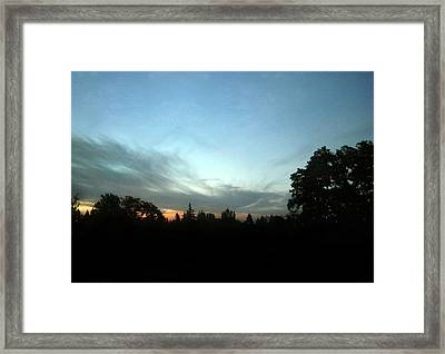 The Last Ray Of Dusk Framed Print by Jaeda DeWalt