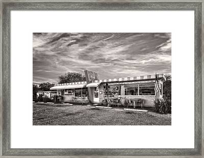 The Lucky Dog Diner At Sunset - 2 Framed Print by Frank J Benz