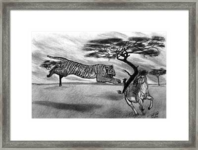 The Lunge Framed Print by Peter Piatt