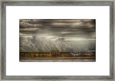 The Malecon Framed Print by R Thomas Berner
