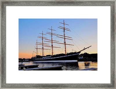 The Moshulu Framed Print by Andrew Dinh