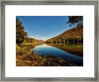 The New River In Autumn Framed Print by L O C