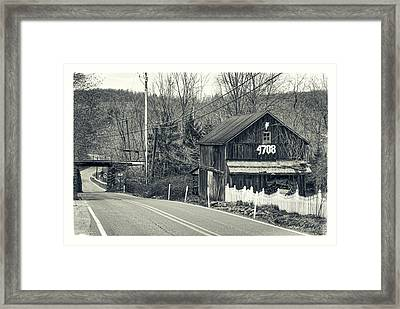 Framed Print featuring the photograph The Old Barn by Mark Dodd