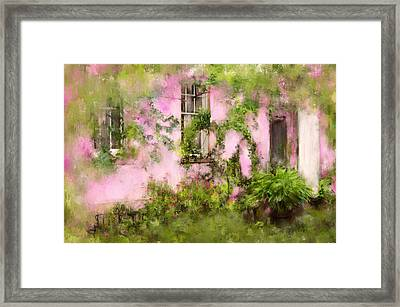 The Olde Pink House In Savannah Georgia Framed Print by Carla Parris