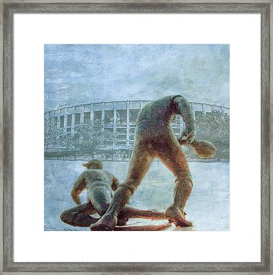 The Phillies At Veterans Stadium Framed Print by Bill Cannon