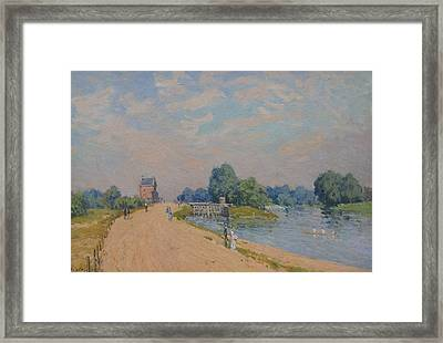 The Road To Hampton Court Framed Print