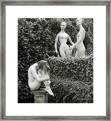 The Sculpture Framed Print by Simon Pocklington