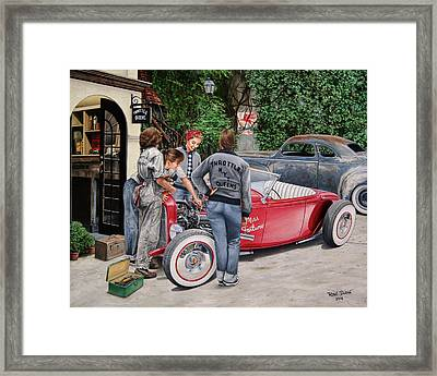 The Throttle Queens Framed Print by Ruben Duran