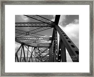 The Tz Framed Print by Kenneth Hess