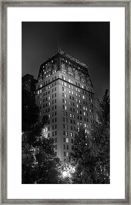 The W In Union Square Framed Print