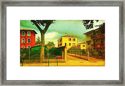 The Yellow House Framed Print by Anne Kotan