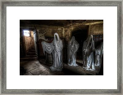 This Way Please Framed Print by Nathan Wright