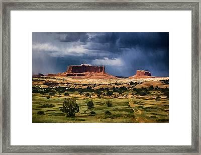 Thunderstorms Approach A Mesa Framed Print