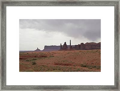 Totem Pole, Monument Valley Framed Print by Gordon Beck