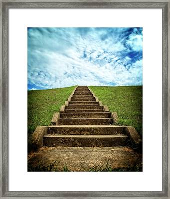 Framed Print featuring the photograph Touch The Sky by Alan Raasch
