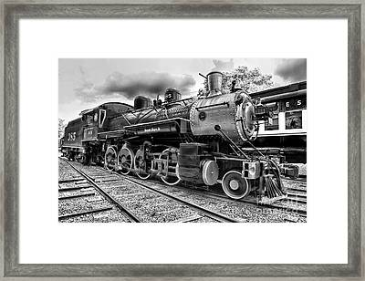 Train - Steam Engine Locomotive 385 In Black And White Framed Print