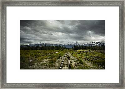 Train To Nowhere  Framed Print by Robin Williams