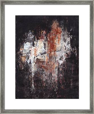 Tres Extranos Framed Print