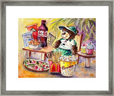 Truffle Mcfurry Warching At Us Golf Open 2015 Framed Print by Miki De Goodaboom
