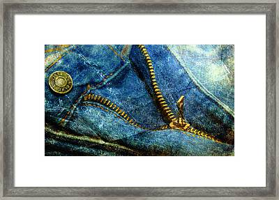 Tug Of War Framed Print by Colleen Taylor