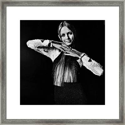 Twiggy In Sequined Jumpsuit Framed Print by Bert Stern