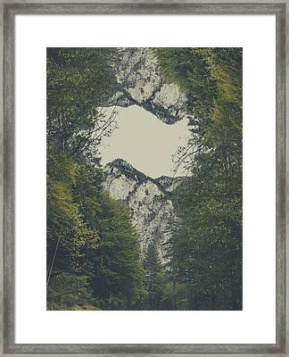 Twin Peaks Framed Print by Thubakabra