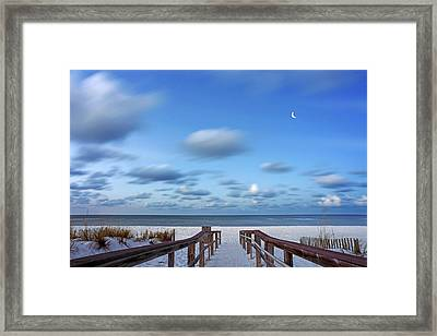 Twinkling Stars Framed Print by Don Spenner