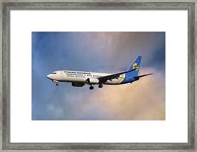 Ukraine International Airlines Boeing 737-8eh Framed Print