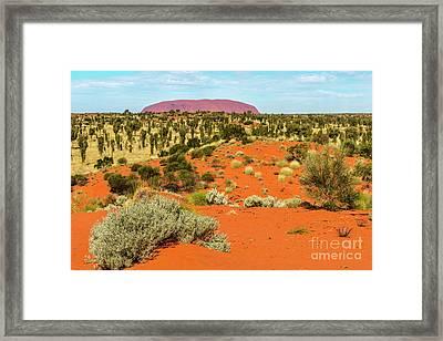 Framed Print featuring the photograph Uluru 01 by Werner Padarin